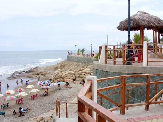Salinas, Ecuador: Malecón de Ballenita