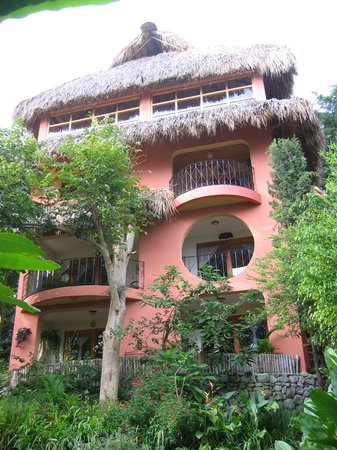 Villa Sumaya: Deluxe rooms building