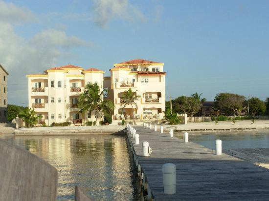 Miramar Villas: Miramar from the dock