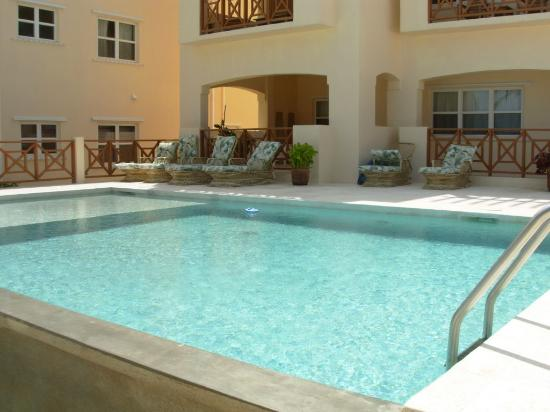 Miramar Villas: pool