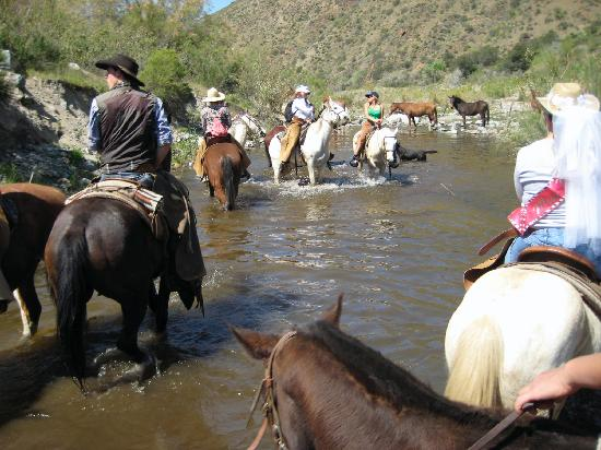 Tecate, Messico: through a riverbed