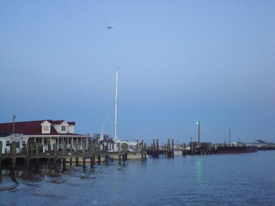 Crisfield, แมรี่แลนด์: Harborside, Ewell, Smith Island