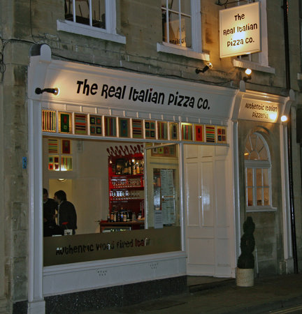 The Real Italian Pizza Co: Store Front