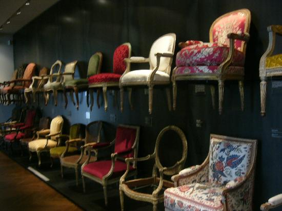 Musee des Arts Decoratifs: The History of Armchairs!