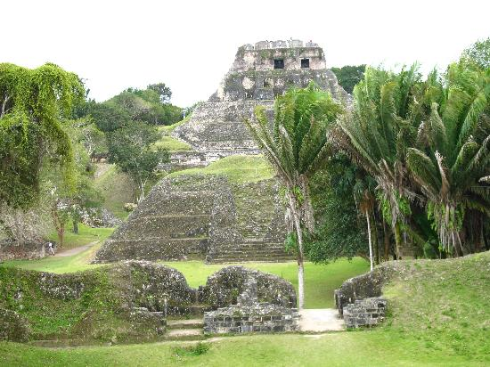 Benque Resort and Spa : Mayan Temple near by