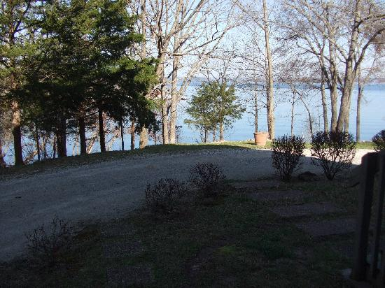Red Bud Cove Bed and Breakfast Suites : View from patio