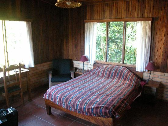 Arco Iris Lodge: Room with one double bed and twin