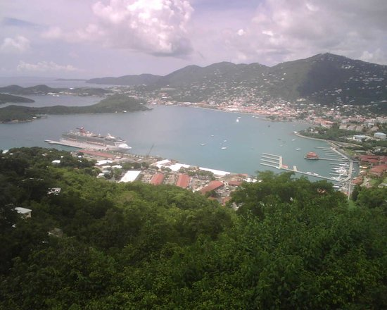 Шарлотта-Амалия, Сент- Томас: Charlotte Amalie (view from Paradise Point)