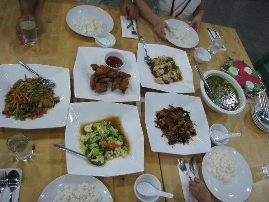 D-Paradise Park and Resort: Dinner was well prepared-enjoyed the variety