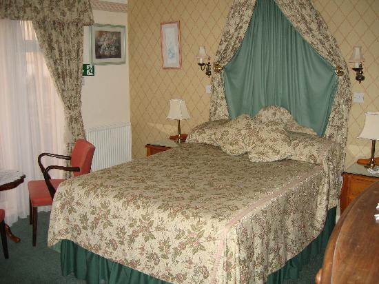 Lantern Lodge: OUR ROOM (No3)