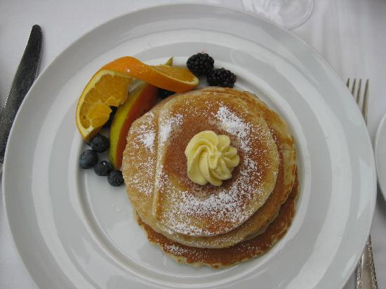 Prince of Wales: Buttermilk pancakes... so yummy!