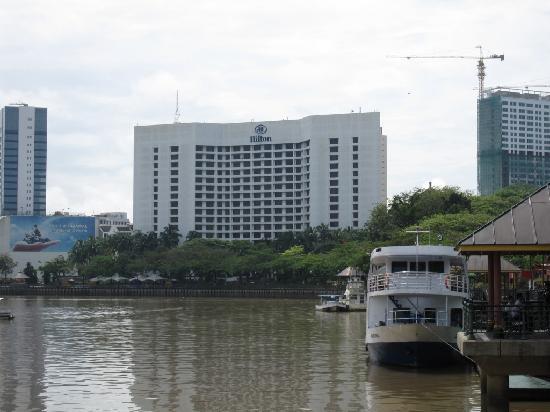Hilton Kuching: Hotel taken from Riverside walk