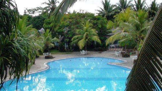 Baguala Bay Resort: pool full view