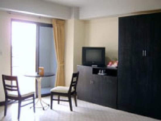 The Lima Place Hotel : Furniture in Room