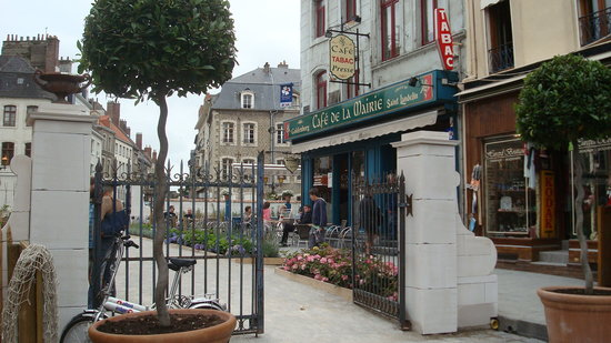 Things To Do in Notre Dame de Boulogne, Restaurants in Notre Dame de Boulogne