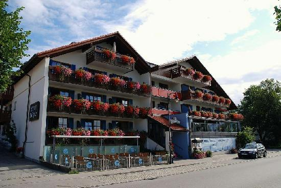 Hotel Geiger : Hotel Front facing the lake