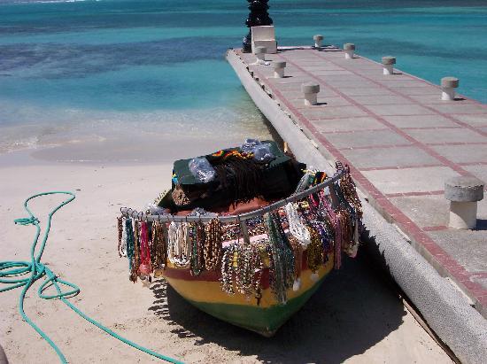 Sandals Royal Caribbean Resort and Private Island : Freddies' jewelery