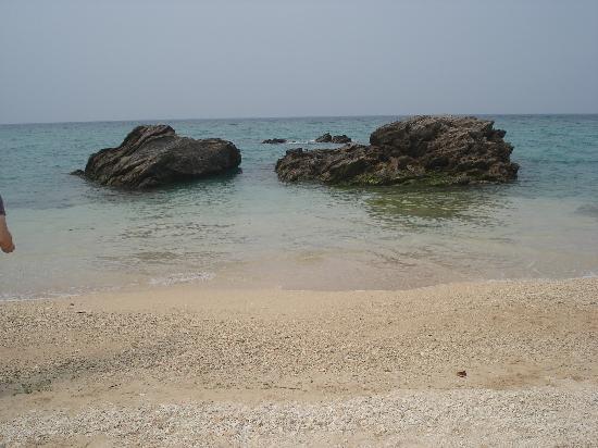 Hotel Nikko Alivila Yomitan Resort Okinawa: アリビラのすぐ隣のビーチ