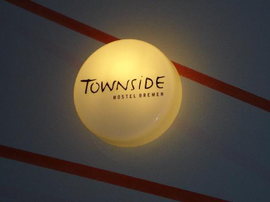 Townside Hostel Bremen: luz de escaleras