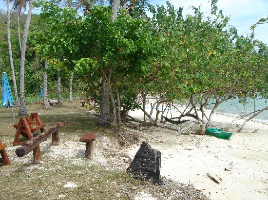 Tenta Nakara: beach