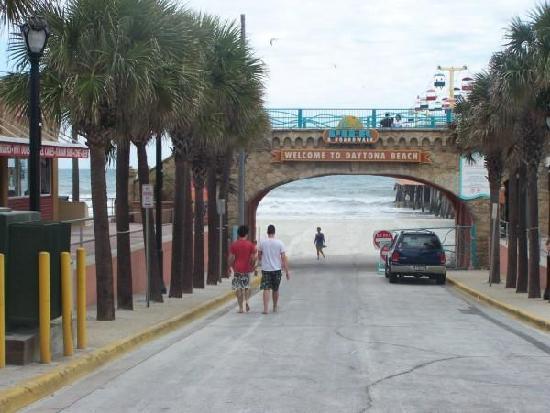 Beach at Daytona Beach: Enter