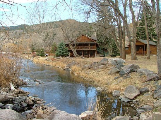 Loveland, CO: Main dining lodge and our cabin
