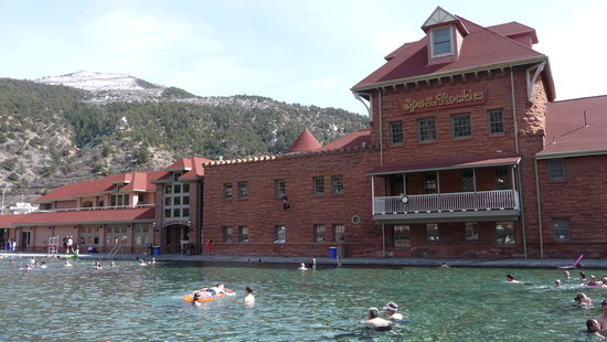 Glenwood Hot Springs Pool: main building