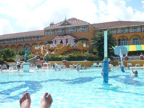 Sandals Ochi Beach Resort: Manor Building from pool