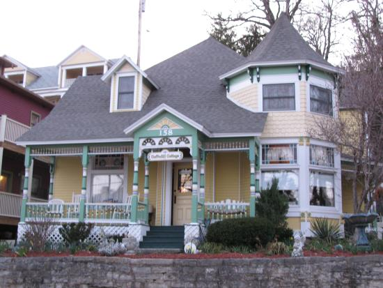 Photo of Daffodil Cottage at All Seasons Luxury Properties Eureka Springs