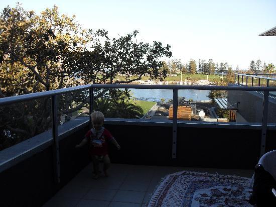 The Sebel Harbourside Kiama: balcony of ocean view room