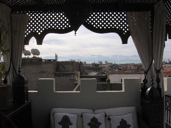Riad Assakina: The mountains from the roof
