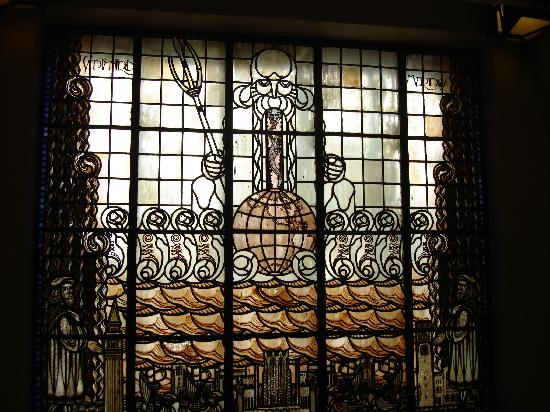 Grand Hotel Amrath Amsterdam: Stained glass