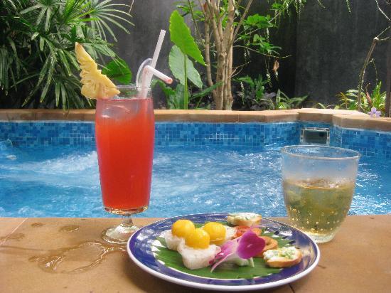 Centara Karon Resort Phuket: Spa and Complimentary cocktails & canapes
