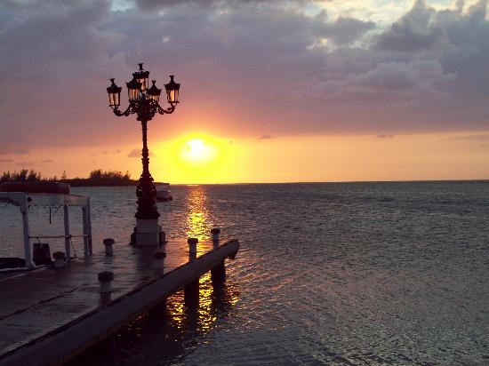 Sandals Royal Caribbean Resort and Private Island : Jamaican sunset from the pier