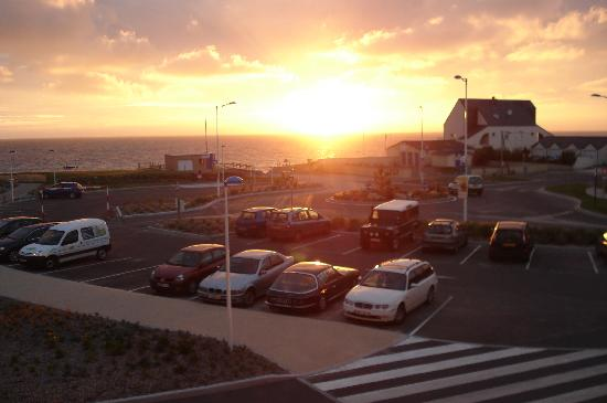 Coudeville-sur-Mer, France: View of the sun setting from our bedroom