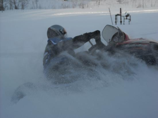 Ray's Retreat Country Inn: having fun in the powder