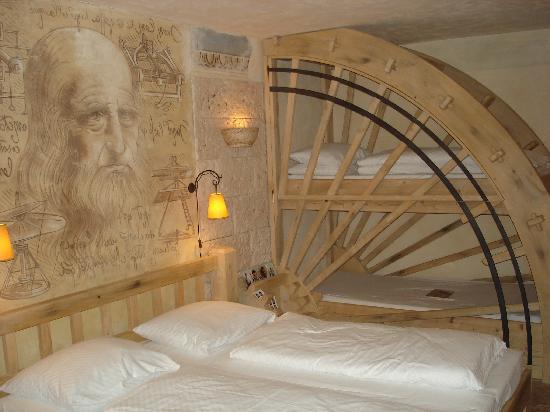 """Hotel """"Colosseo"""" Europa-Park: photo de la chambre et des lits superposés"""