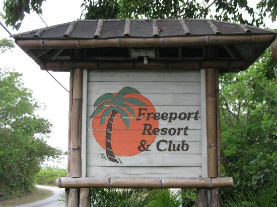 Freeport Resort & Club: The front entrance