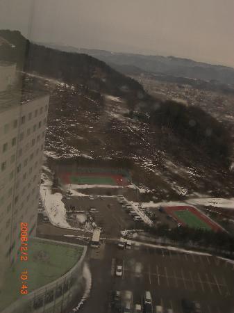 โฮเต็ลแอซโซเซีย ทาคายาม่า รีสอร์ท: 部屋からの眺め。雪景色~~