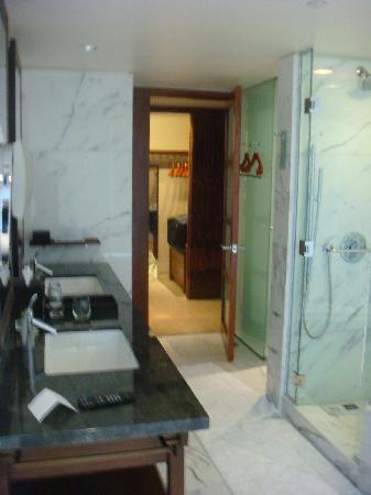 Shangri-La Hotel, Vancouver: Bathroom