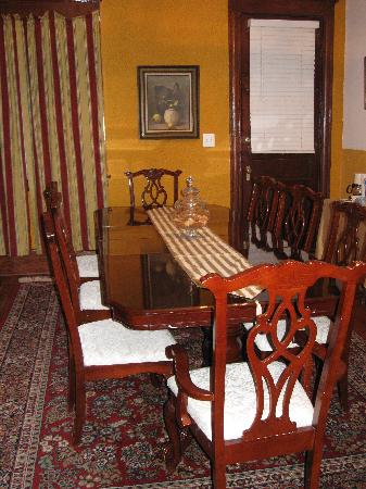 American Guest House: Breakfast room