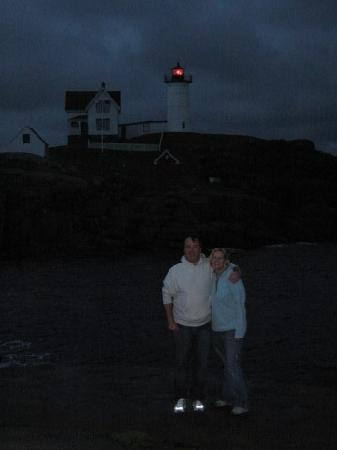 Grand View Inn and Cottages: 1st night in front of the lighthouse. It was cold that night. August '08