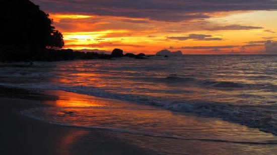 Damai Beach Resort: Sunset