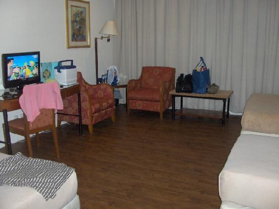 City Beach Resort: Room 207