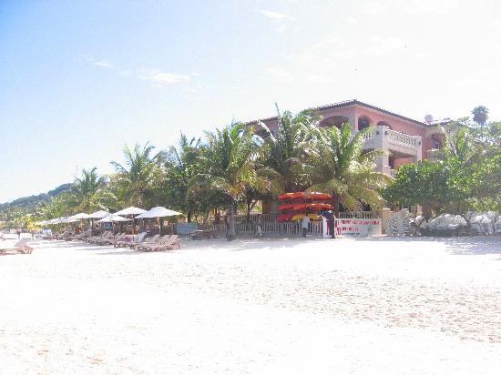 Infinity Bay Spa and Beach Resort: Beautiful West Bay Beach