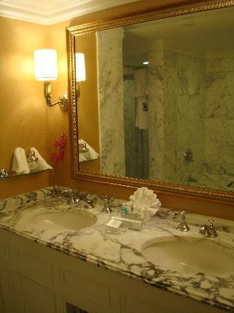 The Ritz-Carlton, Pentagon City: Bathroom Sink