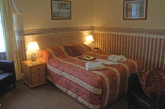 Kingsbridge Guest House: bedroom 1