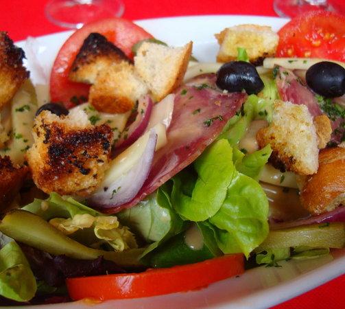 L'Arbre a Pin : Italian Salad