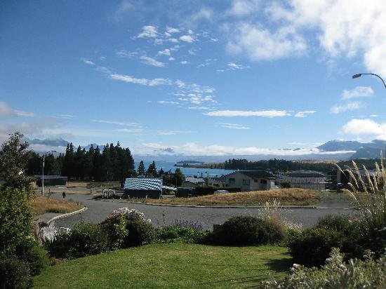 Lake Tekapo Holiday Homes: A view from the B&B garden