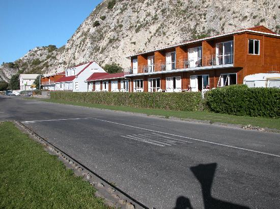 Panorama Motel: Motel viewed from street